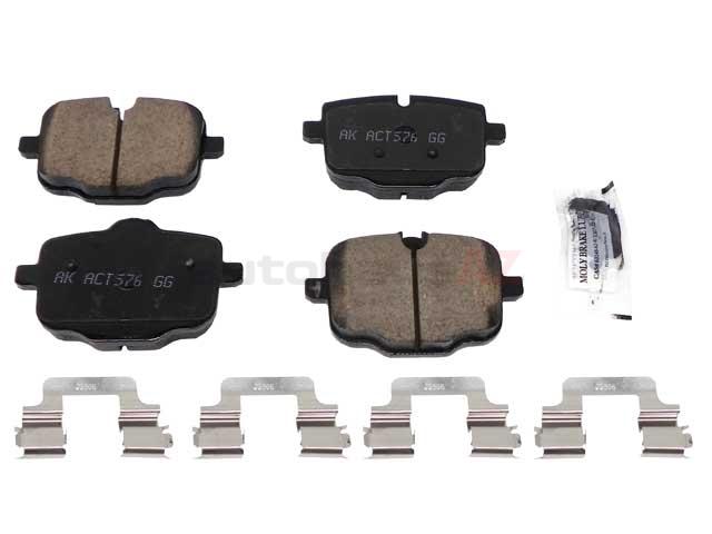 For BMW F06 F10 F12 F13 Front Semi-Metallic Disc Brake Pad Set Brembo P06079N