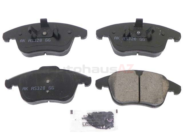 LR004936 Akebono Euro Brake Pad Set